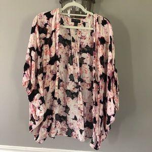 Forever 21 Floral Kimono Size XL